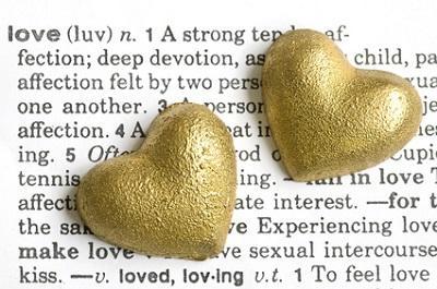 Alle Begriffe zu Partnerschaft, Dating und Liebe.